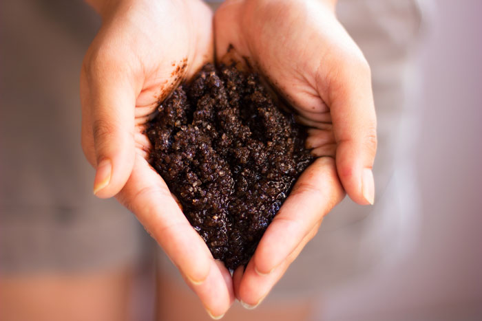 beauty uses for coffee grounds